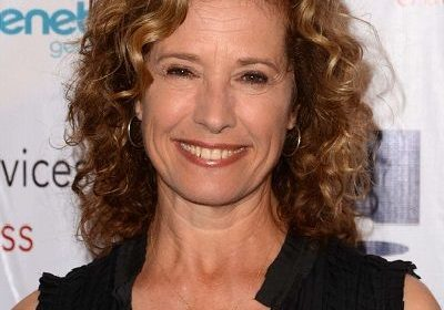 Fan of 'Last Man Standing'? Curious about Nancy Travis and her history of career? Well, click here then!