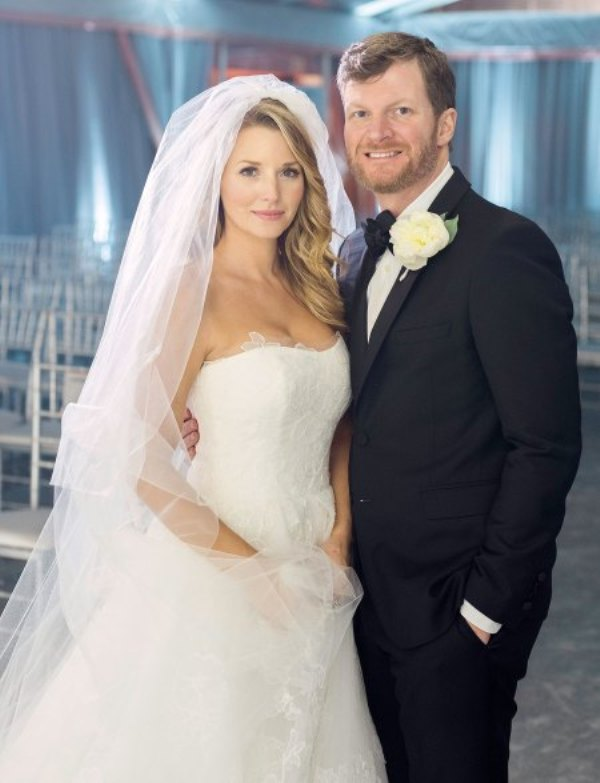 Source: People (Marriage Amy and Dale)