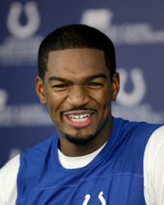 Teetotaler and non-smoker professional football quarterback Jacoby Brissett! Learn about his childhood, family, supportive mother, cute and inspiring girlfriend, and his great-going career!