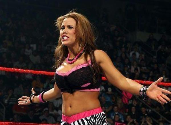 Source: IMGVille.com (Mickie James)