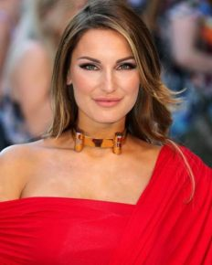 Sam Faiers! Know about this English model and TV star's second pregnancy, boyfriend, time on Celebrity Big Brother, Crohn's disease and how it had affected her!