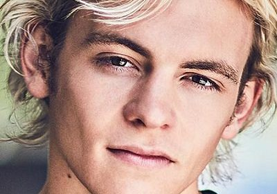 American Singer And Actor Ross Lynch Portrays A Role Of Gay Serial Killer in 'My Friend Dahmer'!!