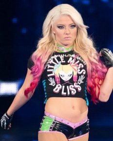 WWE Wrestler Alexa Bliss Is Not Only The Mean Girl Playing Dressed Up!! Nia Jax Shares An Hilarious Story About The Wrestler