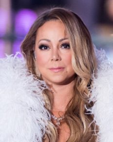 Mariah Carey denies being the Queen of Christmas! Know about her horrid experience during her shoulder dislocation and rib fracture following an accidental slip!