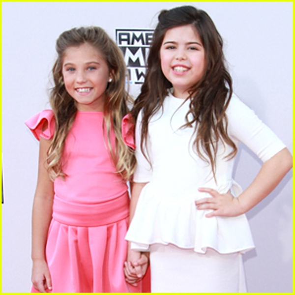 Source: Just Jared Jr. (Rosie and Sophia)