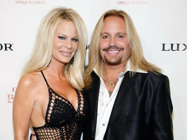 american musician vince neil know about his marriages. Black Bedroom Furniture Sets. Home Design Ideas