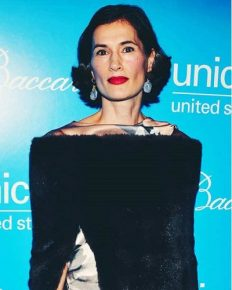 Annette Roque can't keep up with her husband Matt Lauer anymore. Roque visits her lawyer with no ring! Even actor Denis Leary found Matt creepy!