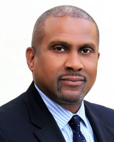 Talk Show Host Tavis Smiley Talks About The Social Media And The Sexual Misconduct!! Says Media 'Painting With Too Broad A Brush'