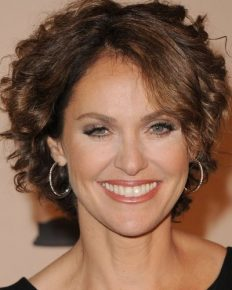 American multi-ethnic actress Amy Brenneman's talks about her political and social views and her ulcerative colitis!
