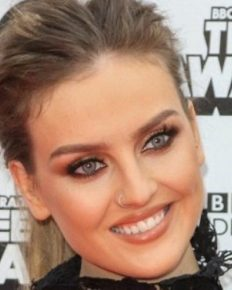 Singer Perrie Edwards' preparation for Christmas! Learn about her recent gastric problem, her hand burns and its first-aid!