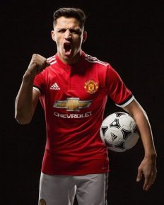 Manchester United completed the signing of Arsenal forward Alexis Sanchez in a swap deal with Henrikh Mkhitaryan