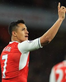 Manchester United are front to sign the Arsenal striker Alexis Sanchez for £35 million after Manchester City pulled out their interest