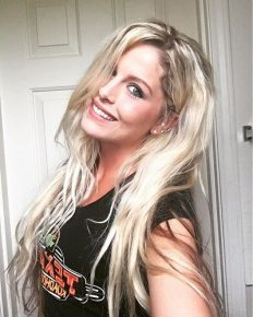 Know about 'Graveyard Carz' star Allysa Rose's love for car! Her recent divorce, new boyfriend and her pretty daughters!