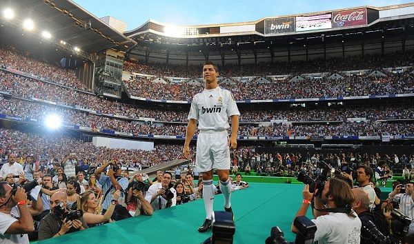 Cristiano Ronaldo unveiled as a Real Madrid player