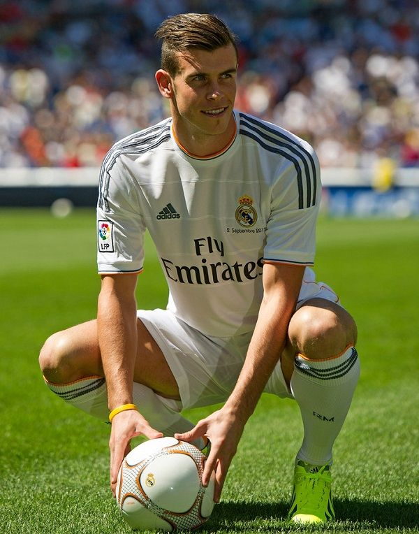 Gareth Bale in his official unveiling at Real Madrid