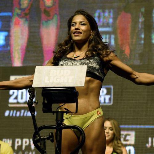 Julianna Margulies Height, Weight, Net Worth, Age