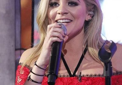 New Year's Eve celebration was delighted by the performance of Lauren Alaina!! Know about her relationships as well!