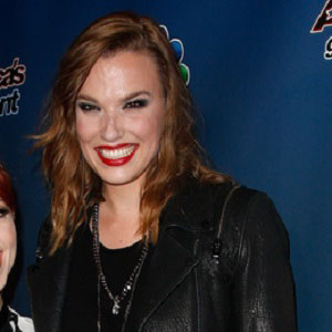 lzzy hale pregnant