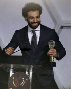 Riyad Mahrez's Liverpool connection, Mohamed Salah 'African Footballer of the year', and all the transfer rumors!!