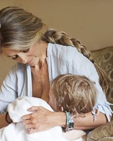 """Nicole Curtis still breastfeeding her 34 months old son, says """"I truly believe it's the child's choice."""""""
