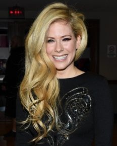Avril Lavigne and her red carpet appearance after 2 years! Know where she has been and what she was doing!