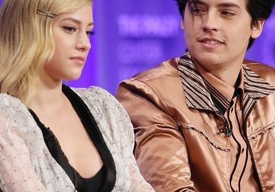 Co-stars of Riverdale, Lili Reinhart and Cole Sprouse, in love but don't want to tell it to the world about their affair