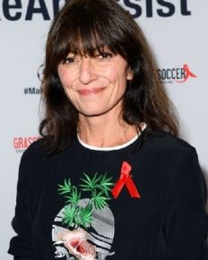 British TV presenter Davina McCall opens up about her menopause problems and HRT!