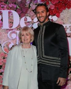 Colin Kaepernick, an American football quarterback gives all the credit to his mother through a adorable speech! Know the detail about his tribute!