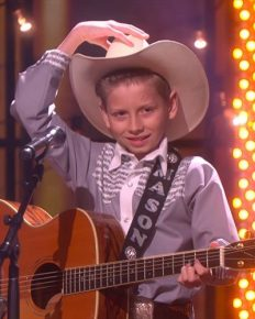 Mason Ramsey of 11 years old Is Newly But Still 'Famous' on Country Charts. Lets Know about his Parents, Wiki, Bio, Salary, Net Worth!!!