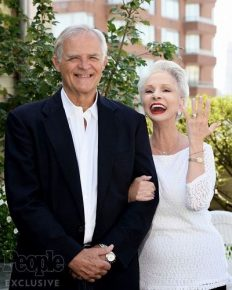75years old actress, JenniferBassey is married to George Bamford! Congratulations to the newly weds. Know how the couple's affair started
