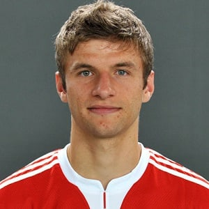 thomas müller biography affair married wife ethnicity