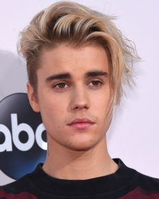 Justin Bieber slapped with a lawsuit for having used the N-word against a Las Vegas businessman Tobias Cannon!