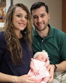 """Counting On"" star Jinger Duggar welcomes her first child with her soccer player husband Jeremy Vuolo!"