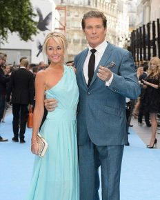 David Hasselhoff marries Welsh model Hayley Roberts in Italy! Read about their dream wedding here!