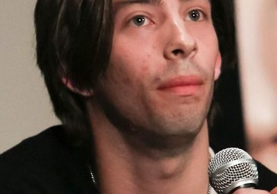 Jimmy Bennett accuses Asia Argento of sexual assault! Read what the texts and pictures claim!
