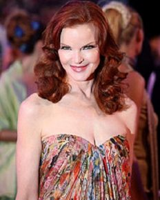 Desperate Housewives star Marcia Cross reveals that she was diagnosed with anal cancer and is healthy post-treatment for it!