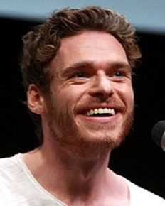 The highly popular actor Richard Madden wants to move away from the limelight and seek some calmness and solace in a Scottish hideaway!