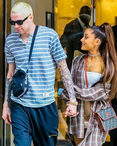 """Ariana Grande and Pete Davidson end relationship and calls off engagement! """"too much too soon"""" says sources!"""