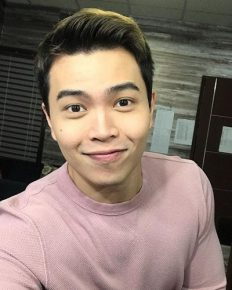 A journey from acartoonistand an animator to a Filipinosinger and songwriter. Explore about Daryl Ong from The Voice of the Philippines (season 2)!