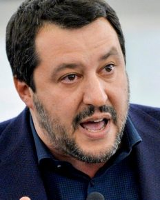 Matteo Salvini is sad but content after his break-up from his girlfriend Elisa Isoardi!