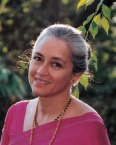 """My Family and Strength""-says Nafisa Ali who is suffering from stage 3 ovarian cancer!"