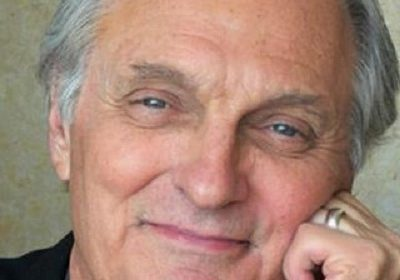 Alan Alda reveals the secret of his 61-year-old marriage to his wife Arlene!