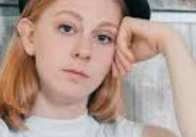 Swedish science YouTuber and Vlogger Simone Giertz! Her brain tumor has returned within a year!