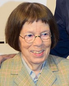 The character Hetty of actress Linda Hunt in NCIS: LA has done a vanishing act! Know it reason and also about Linda's career and relationship status!