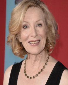 Veteran Hollywood actress Frances Conroy-her eye damage, American Horror Story, filmography, and relationships!