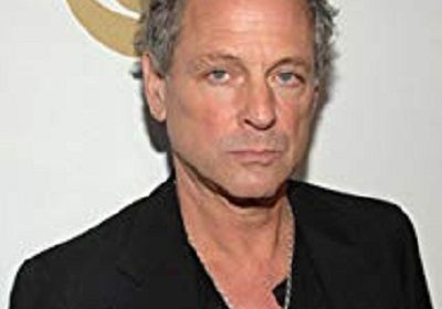 Fleetwood Mac band former member Lindsey Buckingham has an emergency open heart surgery and sadly suffers a vocal cord damage!
