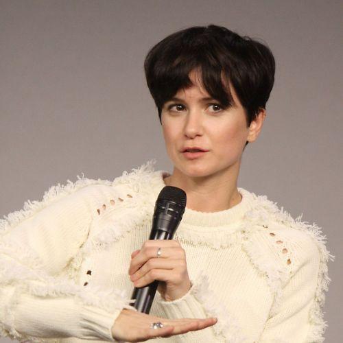 Katherine Waterston Bio Affair Single Net Worth Ethnicity Age Nationality Height Actress