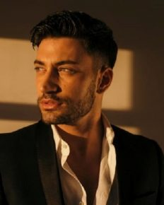 The relationship of Italian dancer Giovanni Pernice and Ashley Roberts -its timeline!