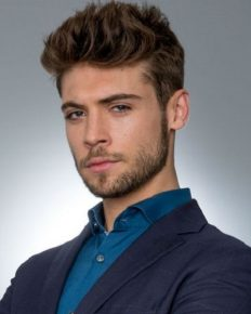 Emmerdale actor Ned Porteous is romancing an aspiring actress of Hollywood, Lucy Heath!