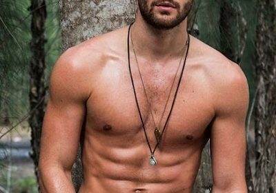 Canadian actor Nick Bateman assists rescue work of PETA in rural areas of North Carolina!